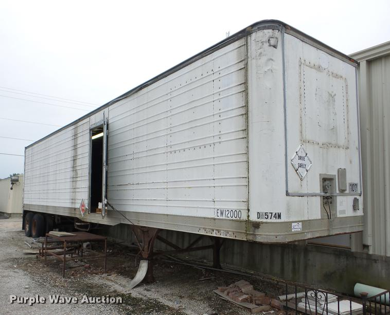 US Trailer Rental Sales Lease and Storage Buys Rents and Repairs All Commercial Trailers Reefers Flatbeds and Dry Vans image_20171206_043855_145